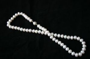47cm Creamy White Rondelle Cultured Freshwater Pearl Necklace & Silver Clasp